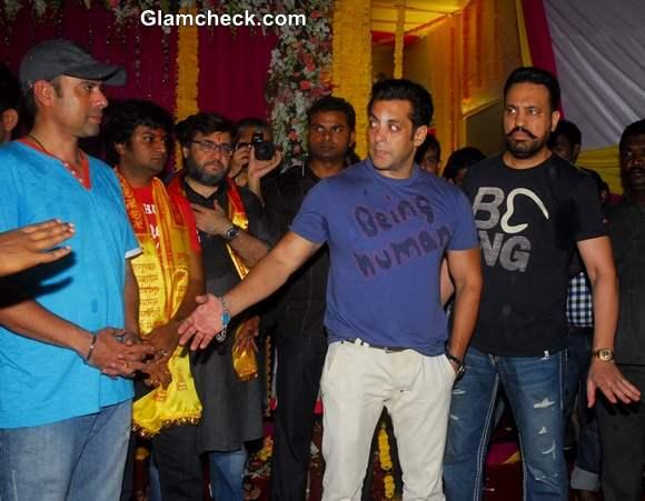 Salman Khan celebrates immersion of an idol of Lord Ganesh 2013