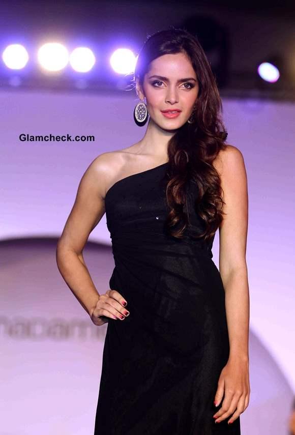 Shazahn Padamsee walks the Ramp for Fashion Label Madame new collection 2013