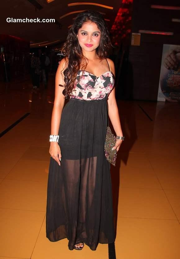 Sheena Shahabadi at Premiere of Raqt in Mumbai