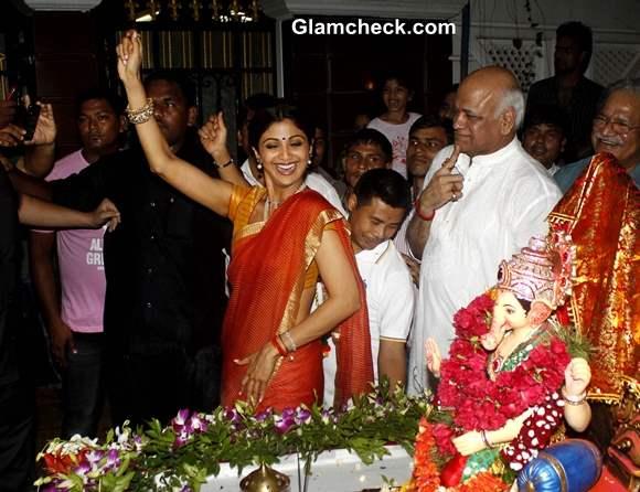 Shilpa Shetty and Family at Ganapati Visarjan 2013