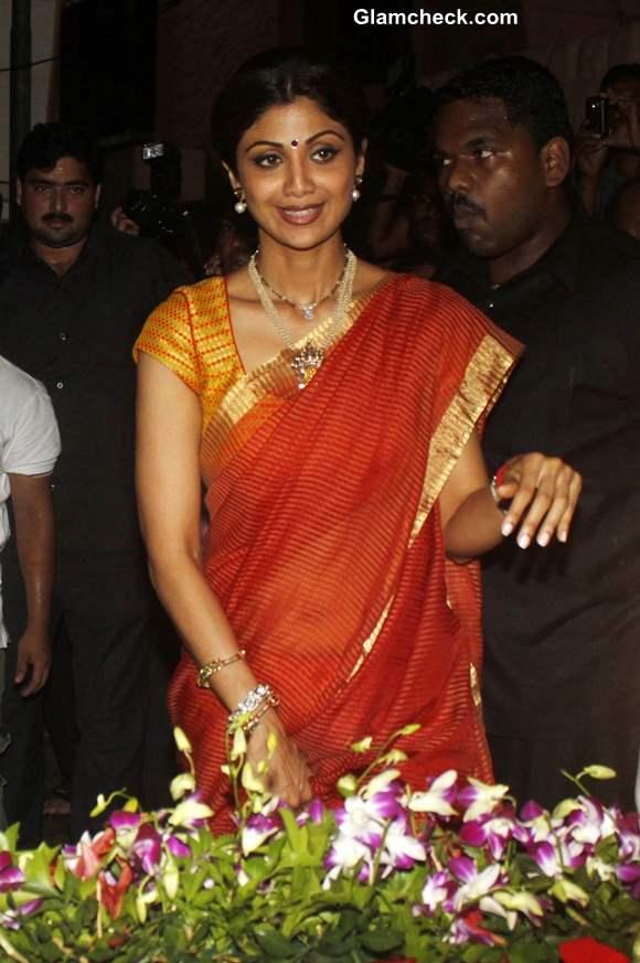 Shilpa Shetty and Family at Ganesh Visarjan 2013