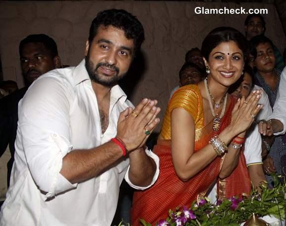 Shilpa Shetty and Raj Kundra at Ganesh Visarjan 2013