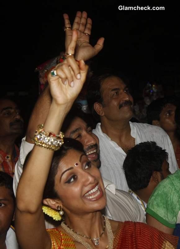 Shilpa Shetty at Ganesh Visarjan 2013