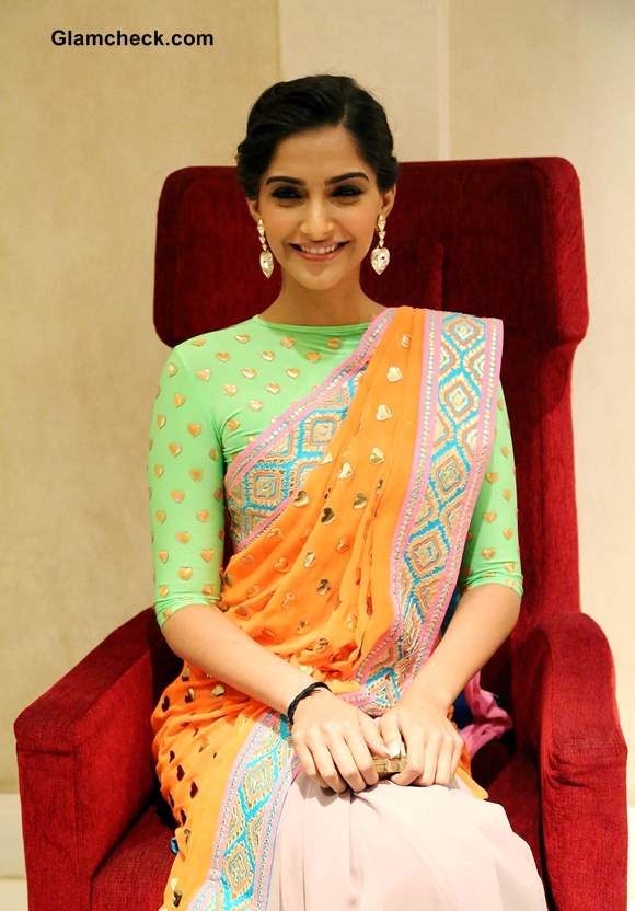 Sonam Kapoor 2013 pictures Manish Arora Sari at Filmfare Magazine New Look Unveiling