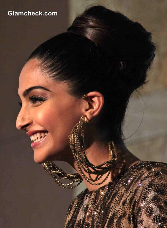 Sonam Kapoor Hairstyle at GQ Man of the Year Awards 2013