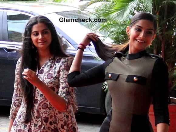 Sonam Kapoor with sister Rhea Kapoor 2013