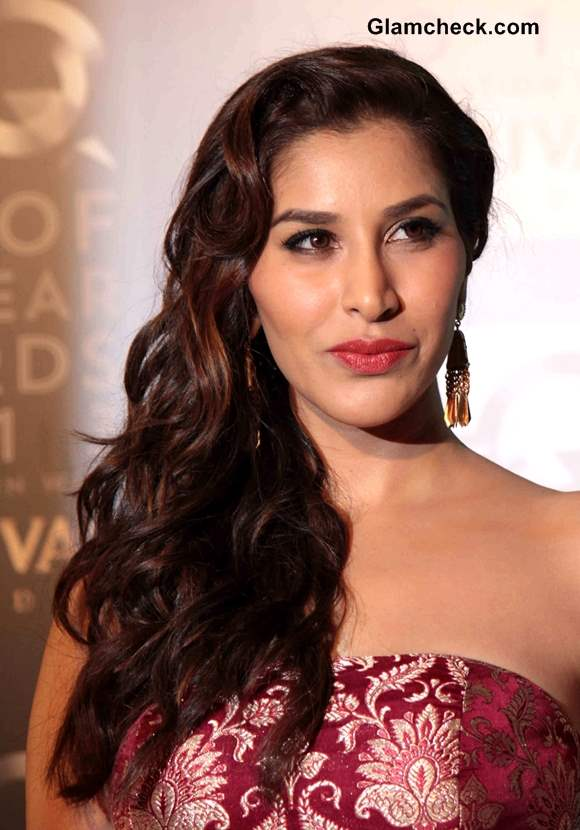 Sophie Choudry Hairstyle at GQ Man of the Year Awards 2013
