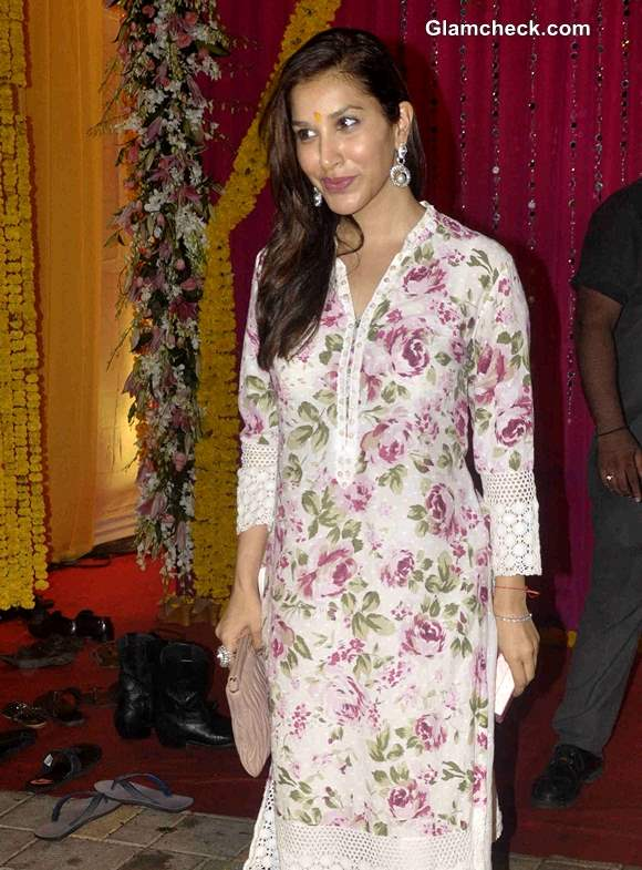 Sophie Choudry at actor Salman Khan's residence for the immersion of Ganesha Idol