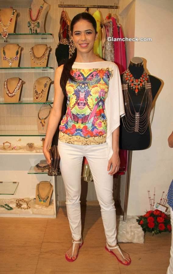 Sucheta Sharma at Spyra Suvi Arya Festive Collection 2013 Preview