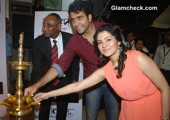 Tollywood actors Payal Sarkar and Abir Chatterjee Inaugurate Shoppers Stop Festival 2013