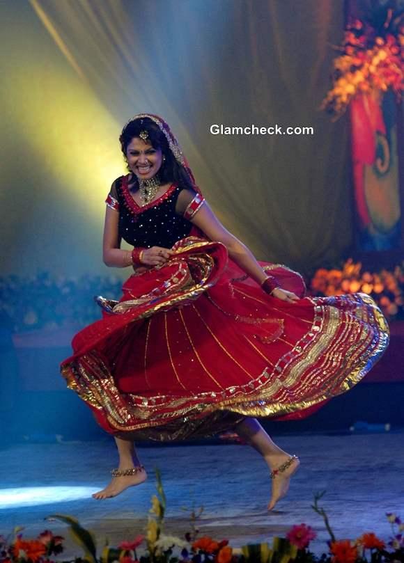 Varsha Usgaonkar performs during the Pune festival 2013 in Pune