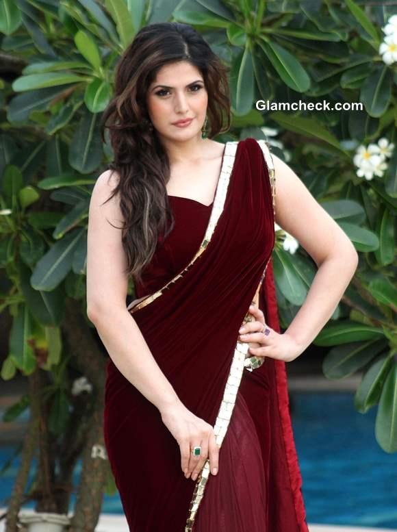 Zarine Khan in Sari at 2013 Wedding Lounge