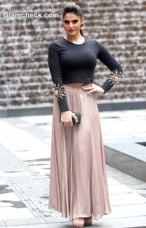 Zarine Khan in Zara skirt and Koovs top at LFW Winter-Festive 2013
