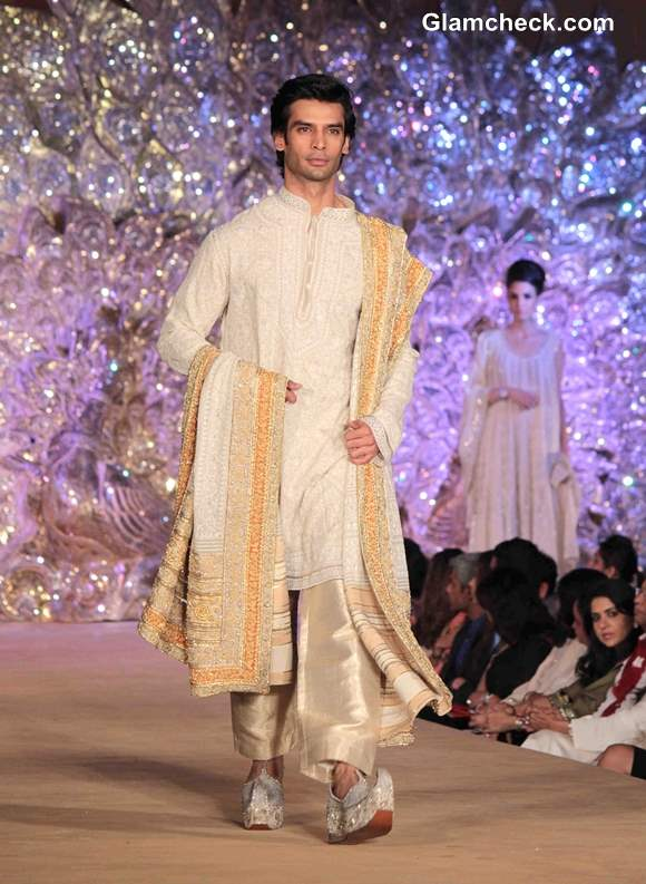 Abu Jani and Sandeep Khosla The Golden Peacock Collection pictures