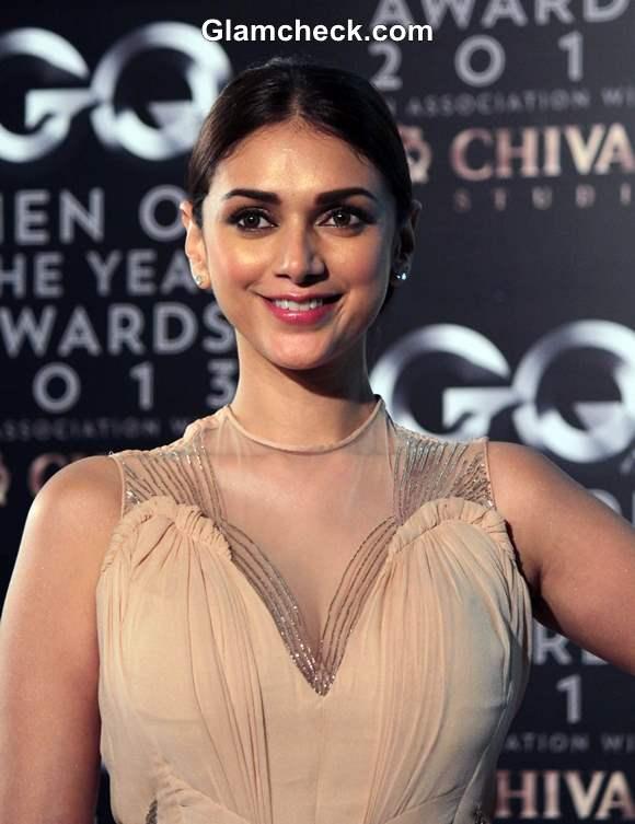 Aditi Rao Hydari in Gaurav Gupta at 2013 GQ Man of the Year Awards