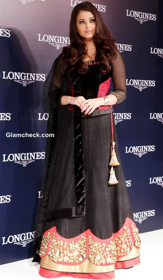 Aishwarya Rai Bachchan in Black Lehenga 2013 pictures