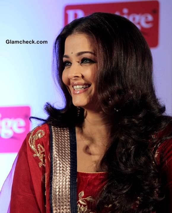 Aishwarya Rai Hairstyle 2013