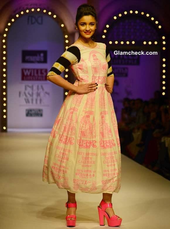 Alia Bhatt at Wills Lifestyle India Fashion Week 2013  for Masaba