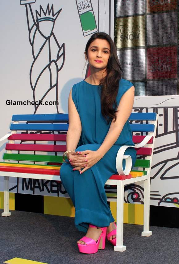 Alia Bhatt in Blue Jumpsuit Pictures at Maybelline Color Show