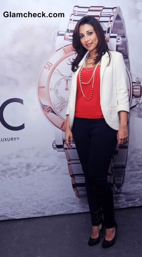Amrita Puri Sports Classic White Blazer at Guess and Gc Watches Event
