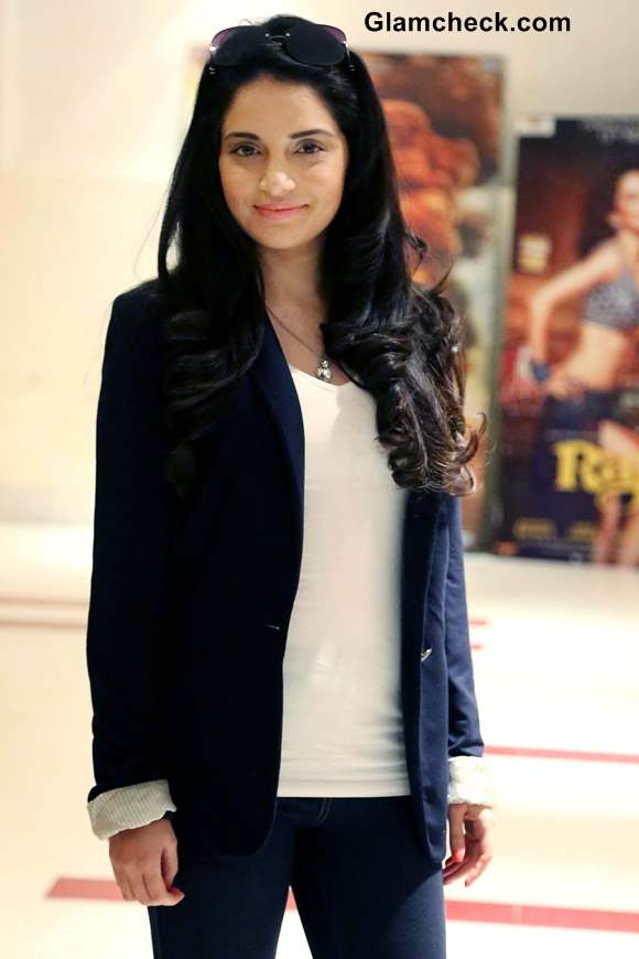 Armeena Rana Khan Promotes Huff Is Too Much