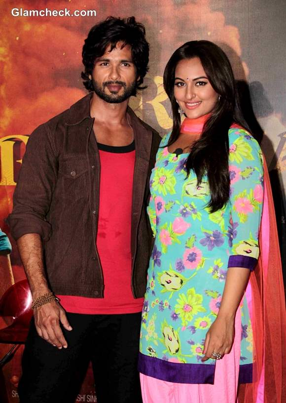 Cast of R Rajkumar Launch Trailer