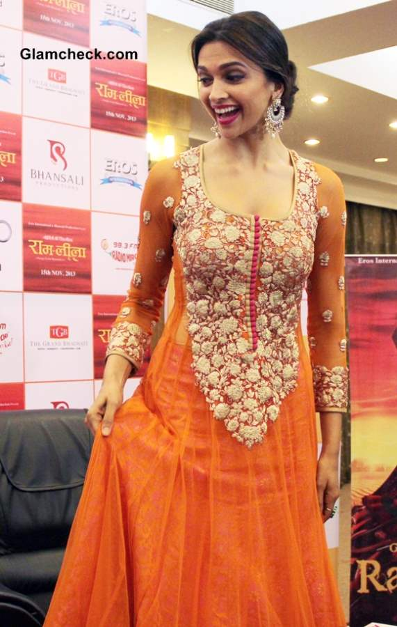 Deepika Padukone Promotes Ramleela in Orange Anarkali suit 2013 pictures