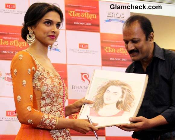 Deepika Padukone Promotes Ramleela movie