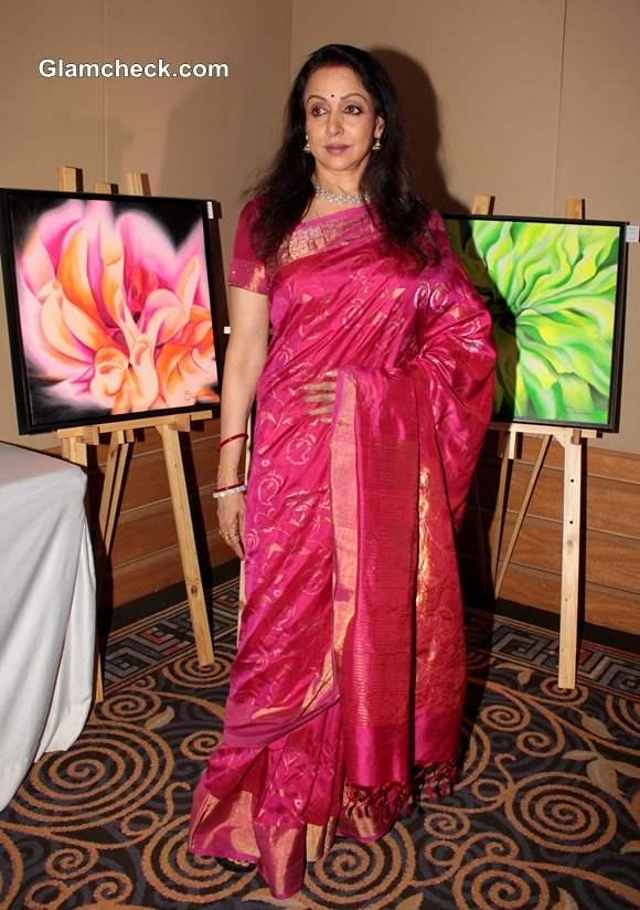 Hema Malini Inaugurates Art Couture Exhibition in Mumbai pictures