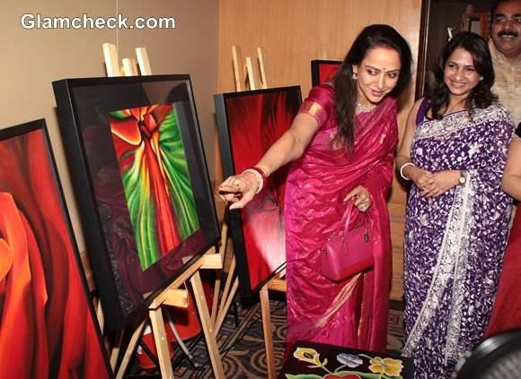Hema Malini Inaugurates Art Couture Exhibition