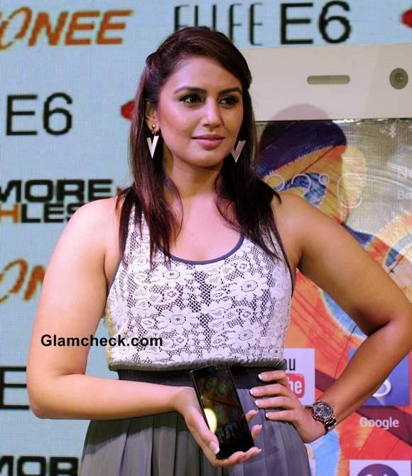 Huma Qureshi 2013 Launches Gionee New Elife E6 Smartphone