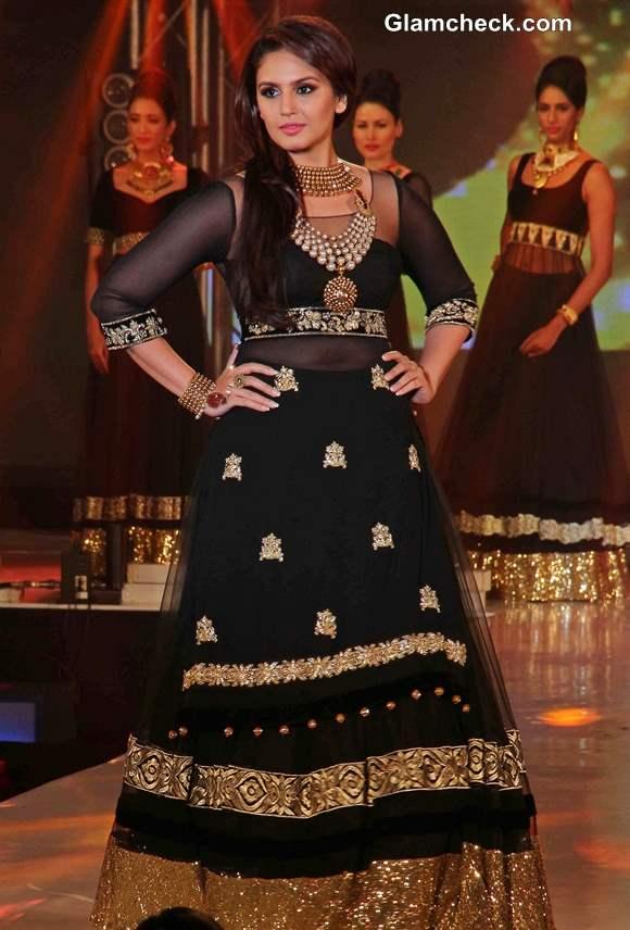 Huma Qureshi 2013 at the 1st Bullion and Jewellery Awards