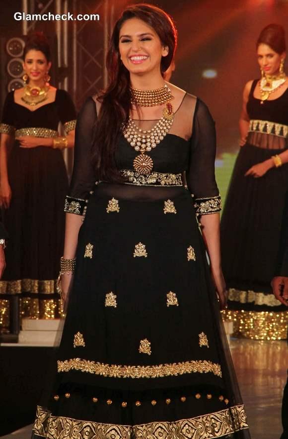 Huma Qureshi at IBBS Fashion Show