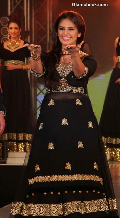Huma Qureshi in black Anarkali at 2013 IBBS Fashion Show