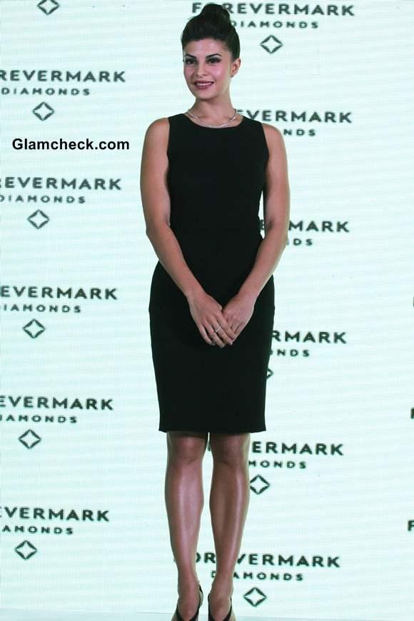 Jacqueline Fernandez Pulls An Audrey Hepburn At