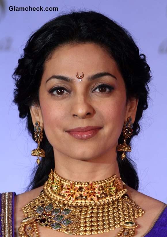 Juhi Chawla 2013 Launches Azva Bridal Jewellery in Pune