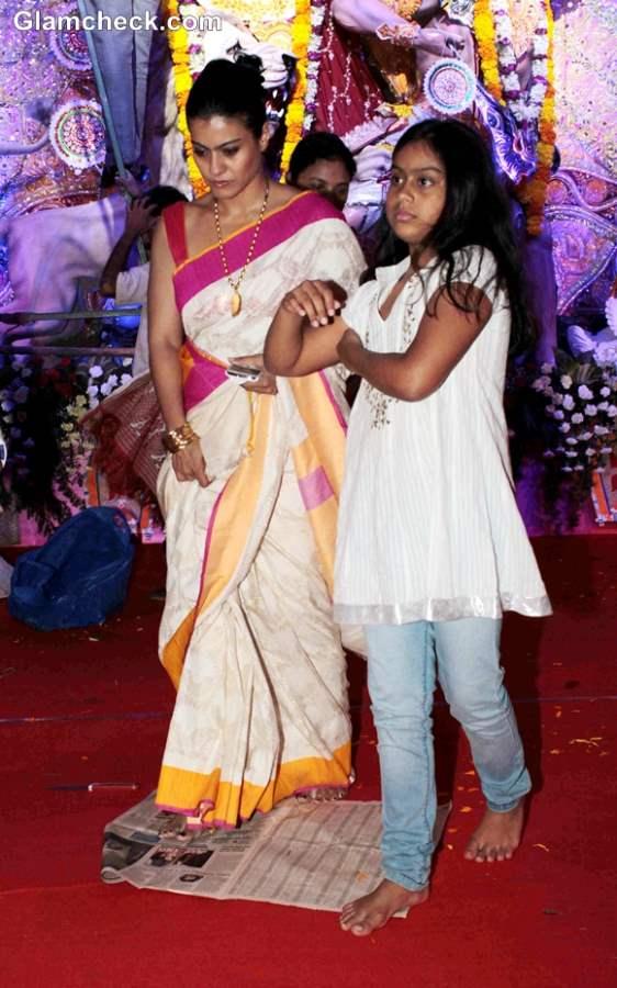 Kajol with daughter Nysa at Durga Puja 2013