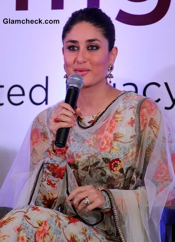Kareena Kapoor Traditional Look at Malabar Shopping Website Launch