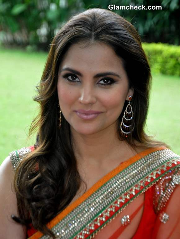 Lara Dutta 2013 Bridal Collection with Chhabra 555