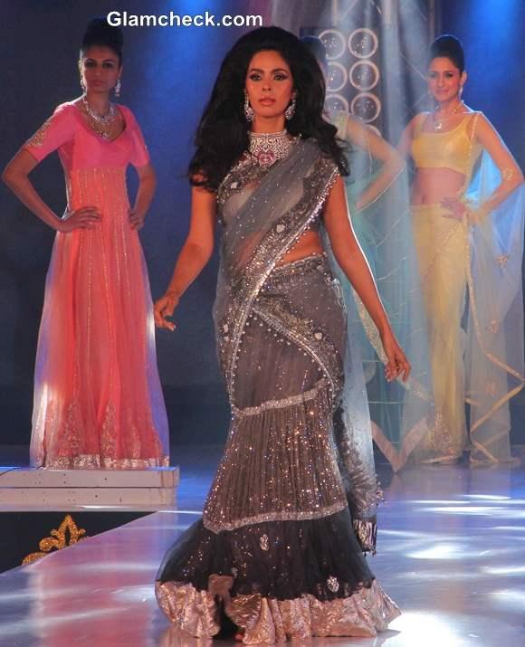 Mallika Sherawat 2013 at the 1st Bullion and Jewellery Awards