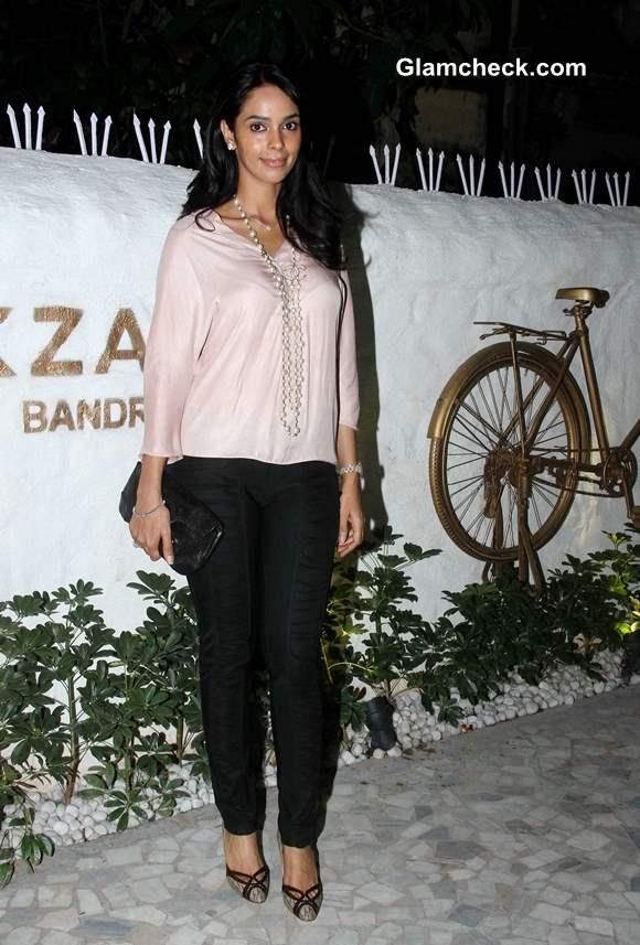 Mallika Sherawat at Ahakzai by Alvira Khan Store Launch