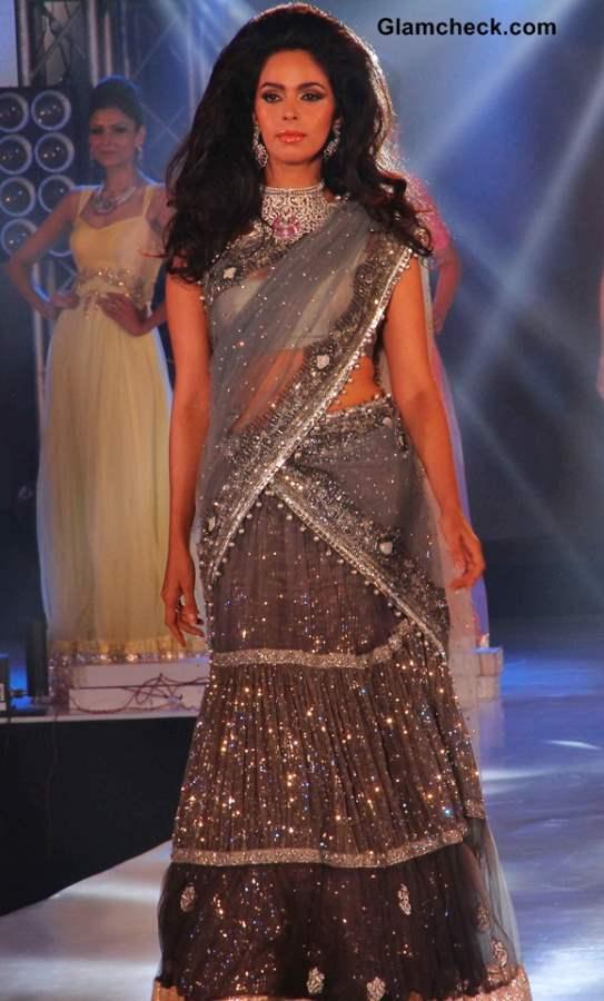 Mallika Sherawat at the 1st Bullion and Jewellery Awards