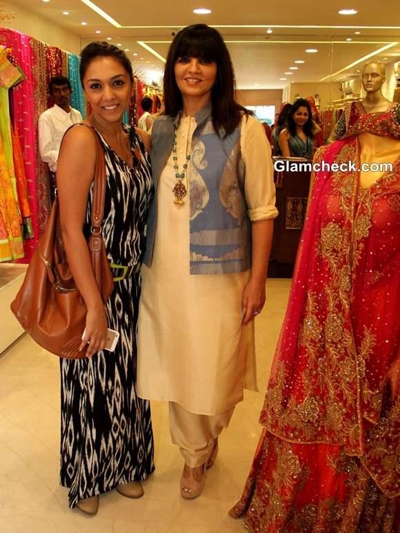 Neeta Lulla with  Shveta Salve during the preview of her 2013 bridal collection