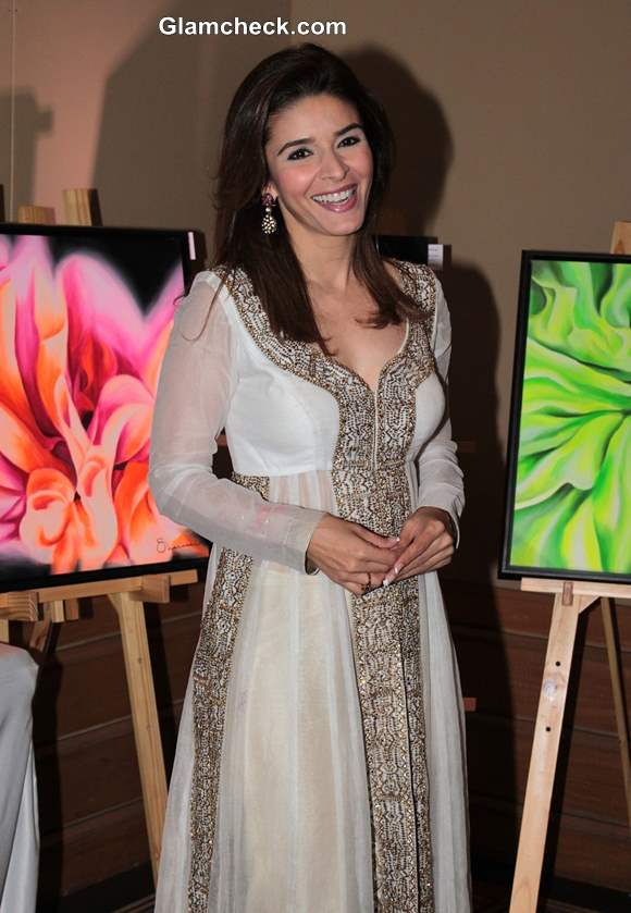 Raageshwari Loomba Pictures at Art Couture Exhibition in Mumbai