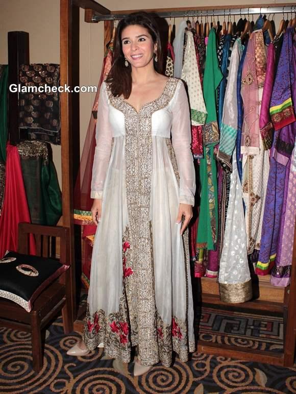Raageshwari Loomba in White Anarkali at Art Couture Exhibition in Mumbai