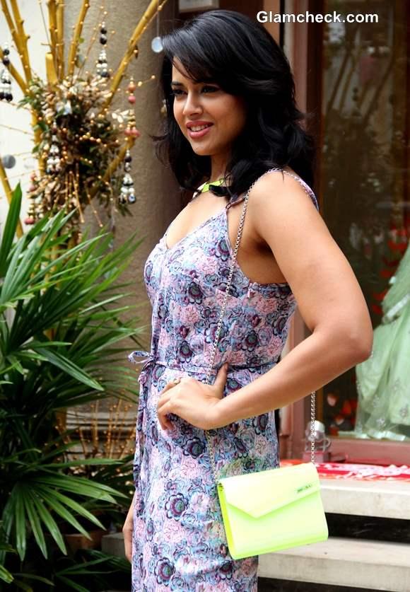 Sameera Reddy at Neeta Lulla Bridal Collection Preview