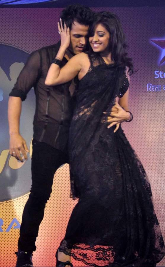 Season 6  Nach Baliye Contestant Ritvik Dhanjani and his wife Asha Negi