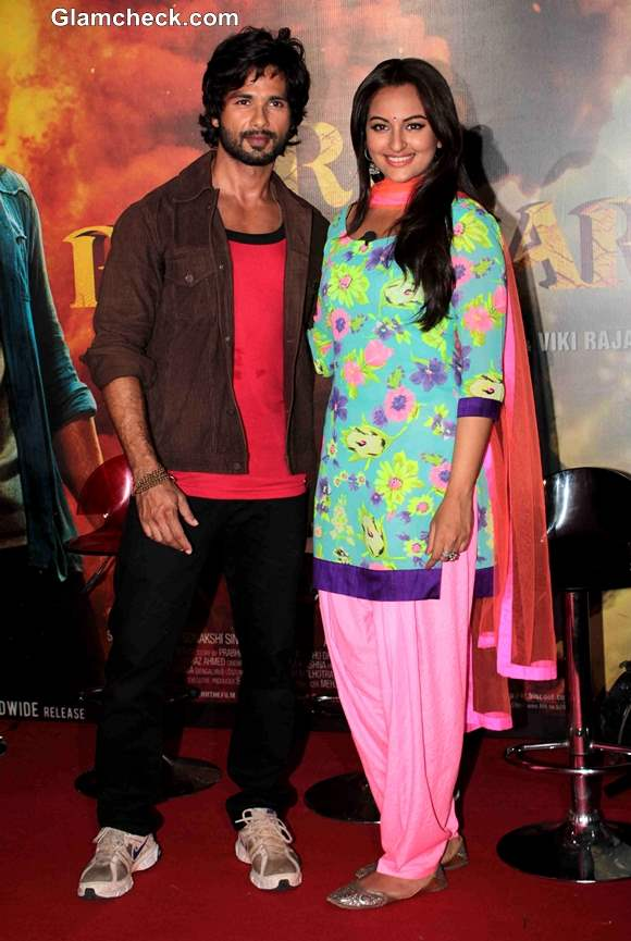 Shahid Kapoor and Sonakshi Sinha in R Rajkumar Movie 2013