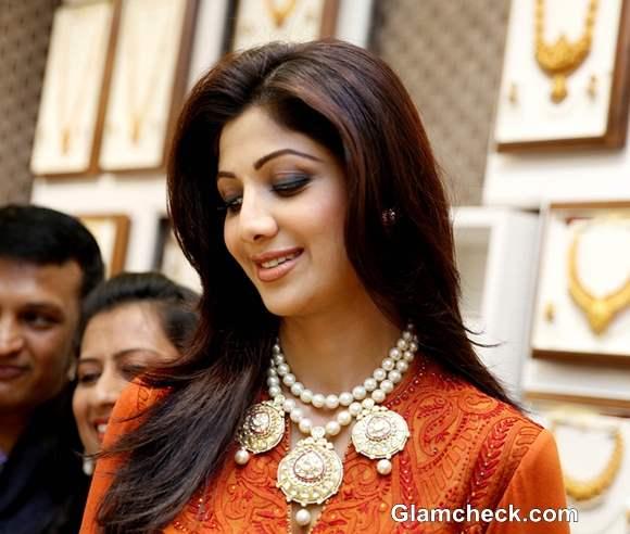 Shilpa Shetty Inaugurates 8th Ranka Jewellers Store Pune