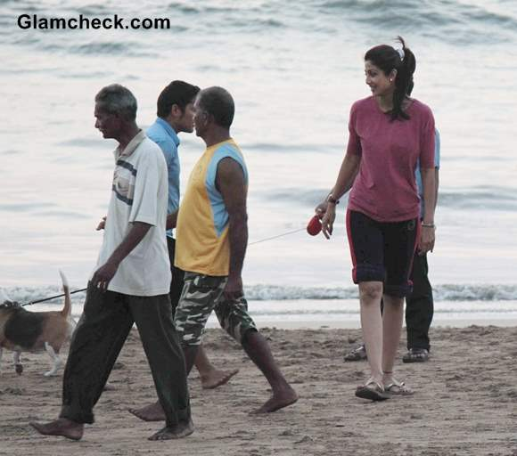 Shilpa Shetty Pictures at Juhu Beach